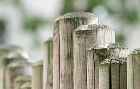 Ein Zaun als Sinnbild der Bedeutung von Grenzen im Rahmen der Erziehung